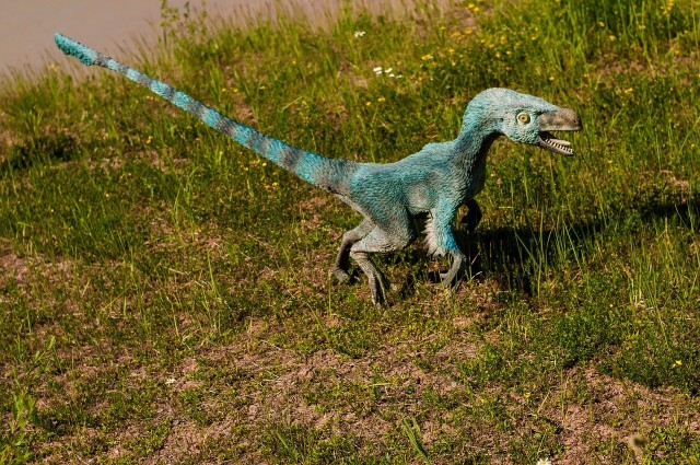Dinozaury zwierzęta prehistoryczne z okresu Triasu