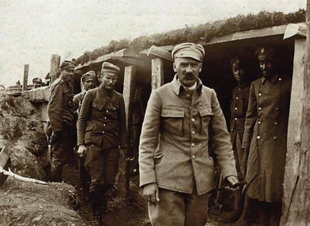 Piłsudski_pod_Kostiuchnówką
